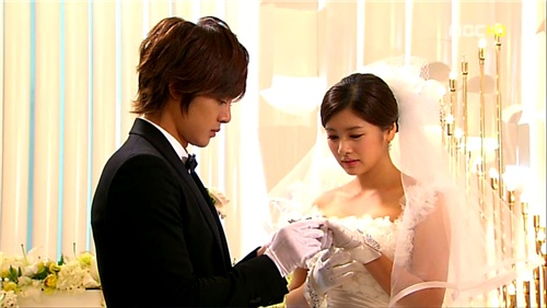 playful-kiss-15-15.jpg
