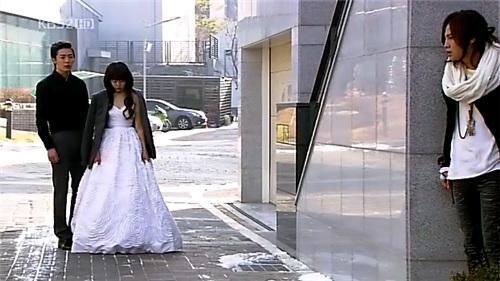 La rubia espera la corrida - Peliculas Porno Videos xxx