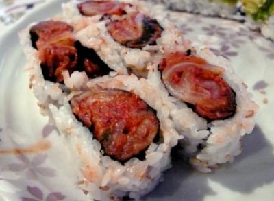 Tomo sushi kimchi roll