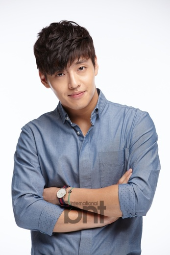 Kang Ha Neul 1