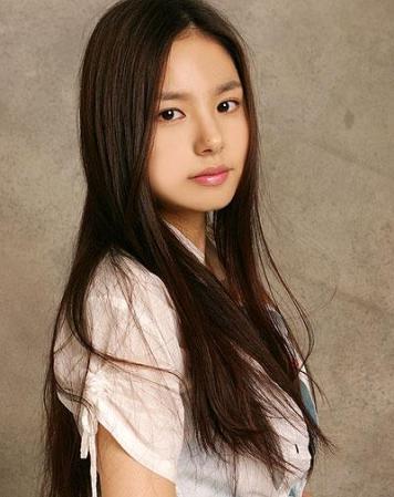 Min Hyo Rin